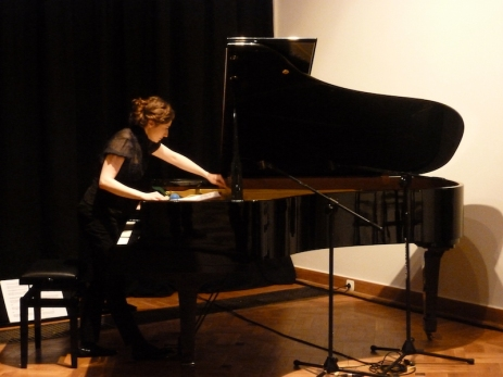 emilia in piano